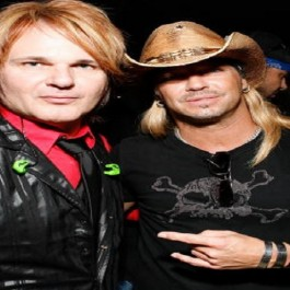 NEW YORK - JUNE 07:  Musicians Rikki Rockett and Bret Michaels attends the 63rd Annual Tony Awards Official Lipton Gift Lounge - Produced by On 3 Productions at Radio City Music Hall on June 7, 2009 in New York City.  (Photo by Mark Von Holden/WireImage for On 3 Productions)