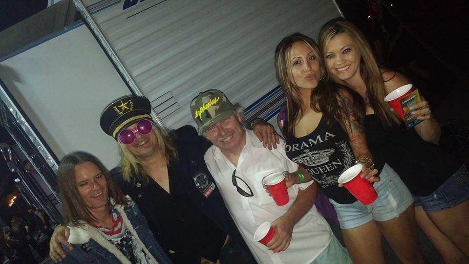 ez_chipznuff_backstage_sept_2016_1