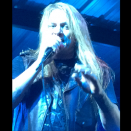 Sebastian_Bach_Skid_Row_Nov_10_2017_F1