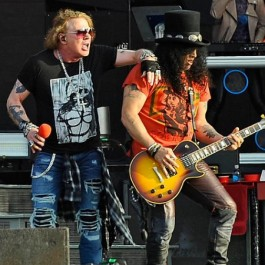 GNR_Axl_Slash_July_Forbes_2018_F1