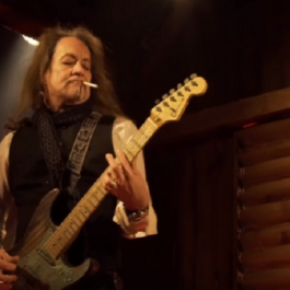 Jake_E_Lee_Ratt_Nov_2018_F1