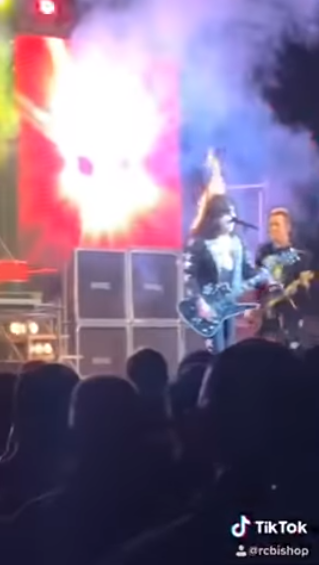 Hairball_Kiss_Hair_Fire_Feb_11_2019_1